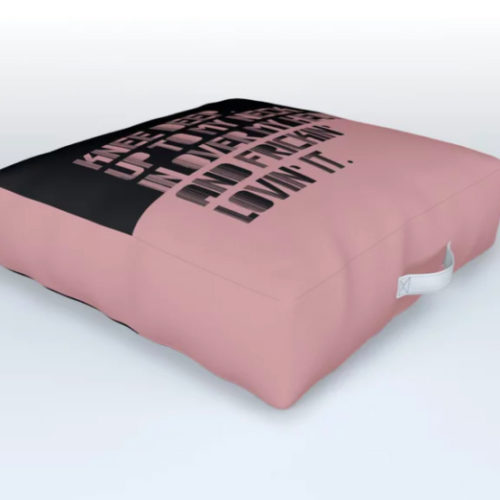 OUTDOOR CUSHION UP TO MY NECK. PINK